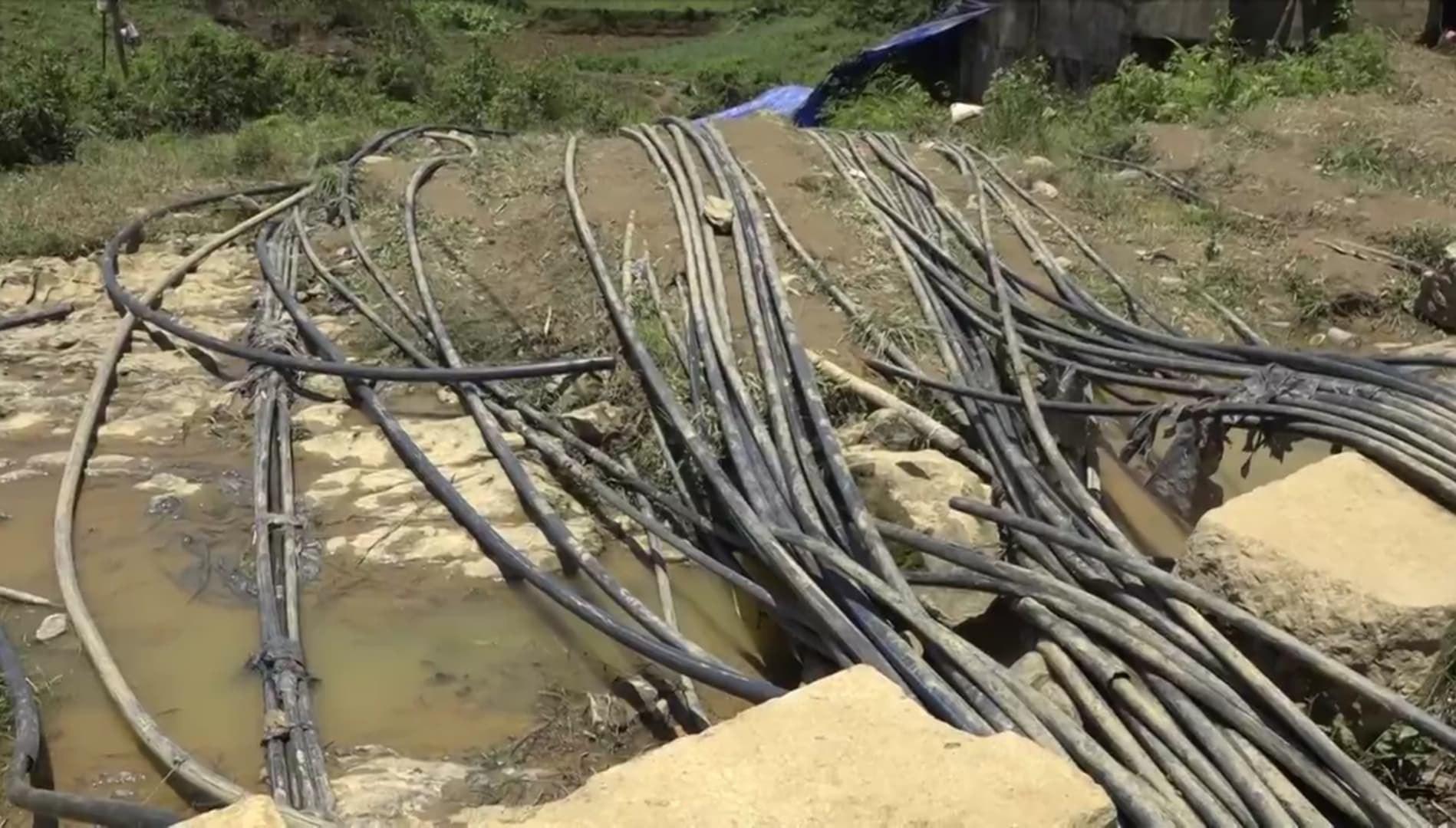 Cận cảnh hiện trường giải cứu nạn nhân mắc kẹt trong hang đá ở Lào Cai - Ảnh 2.