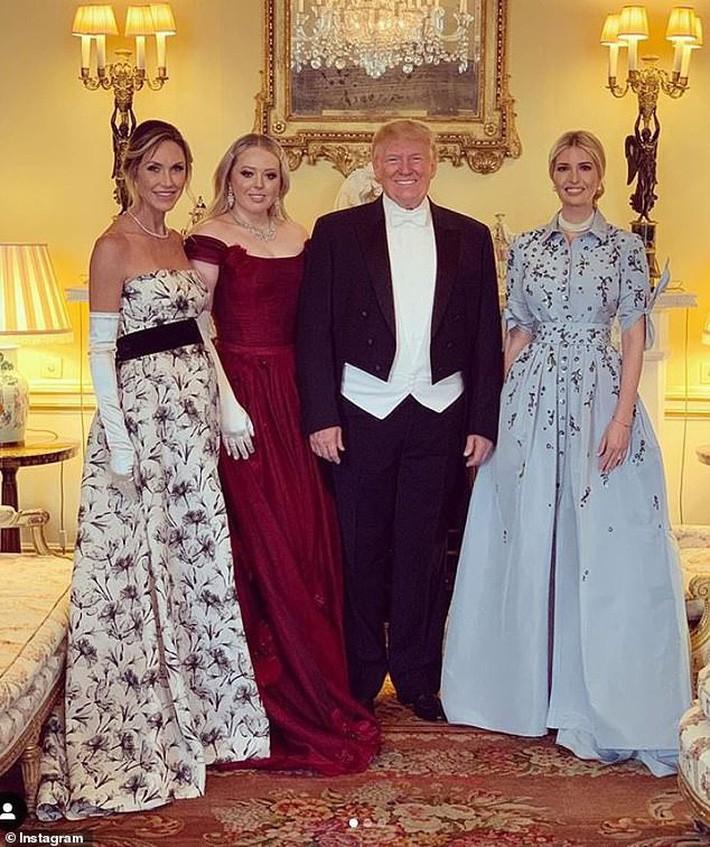 Nhân vật kém sắc nhất trong dàn trai xinh gái đẹp của Tổng thống Trump tại Anh, hóa ra từng thực tập tại Vogue và có style ngoài đời khá ổn - Ảnh 7.