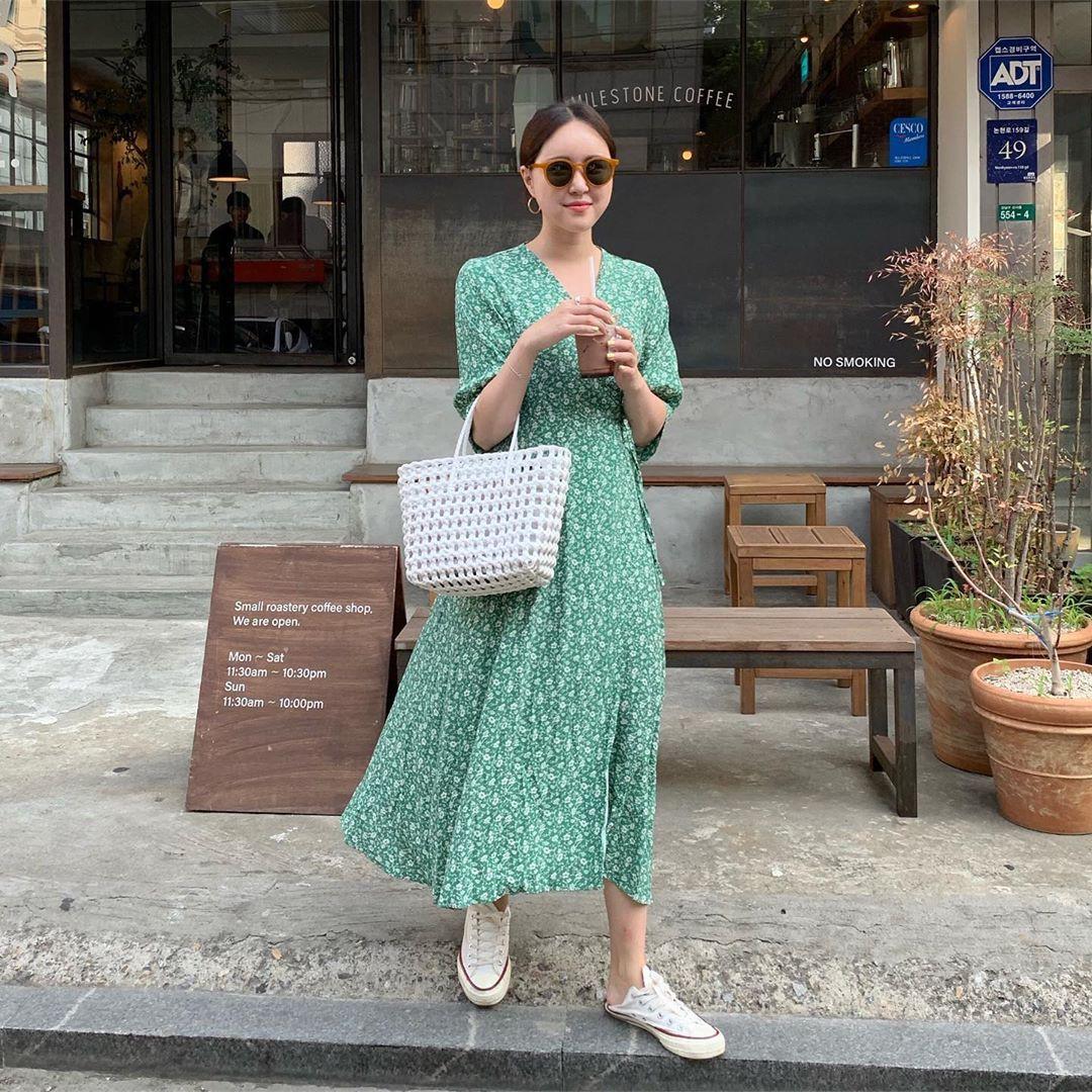 Trời oi bức kinh hoàng, bạn sẽ cần đến gợi ý ăn mặc mát mẻ mà vẫn đẹp xỉu từ các cô nàng Hàn Quốc sành mặc tuần qua - Ảnh 8.
