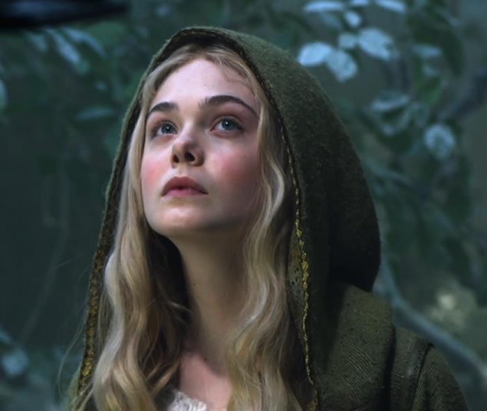 Nhan sắc 4 nàng công chúa Disney trong phim và đời thực: Emma Watson gây thất vọng giữa dà ngọc quý đẹp lạ - Ảnh 15.