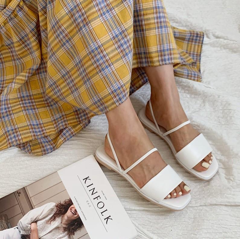 Tạm quên giày cao gót đi, dáng bạn vẫn sẽ cao ráo và phong cách thì đậm chất công sở với 4 kiểu giày bệt này - Ảnh 15.