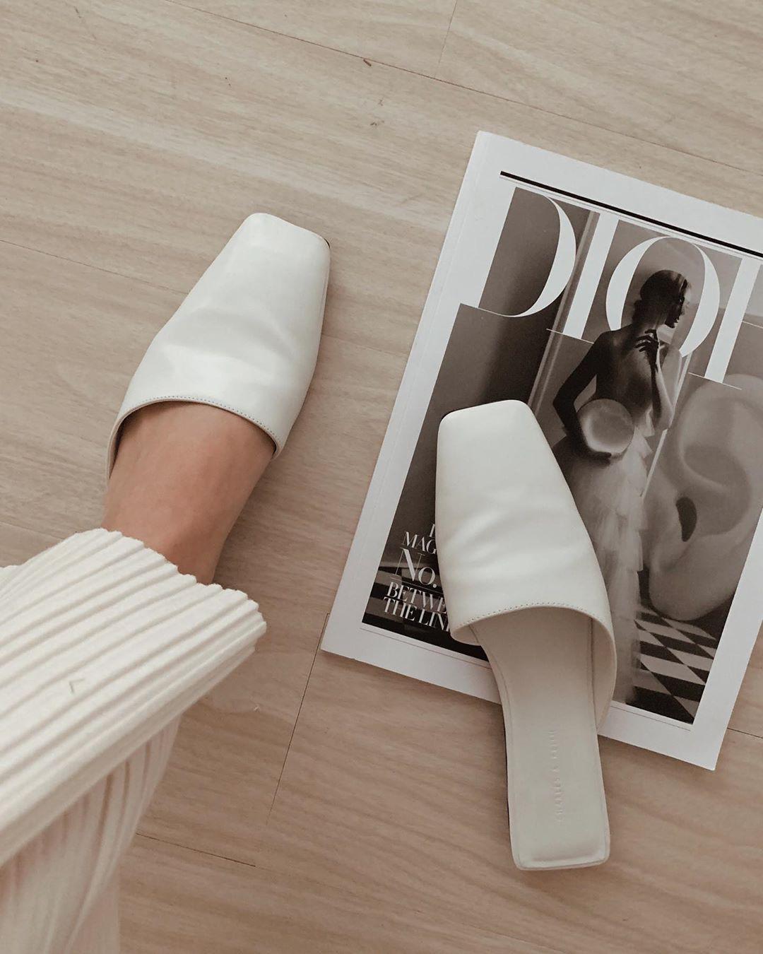 Tạm quên giày cao gót đi, dáng bạn vẫn sẽ cao ráo và phong cách thì đậm chất công sở với 4 kiểu giày bệt này - Ảnh 10.