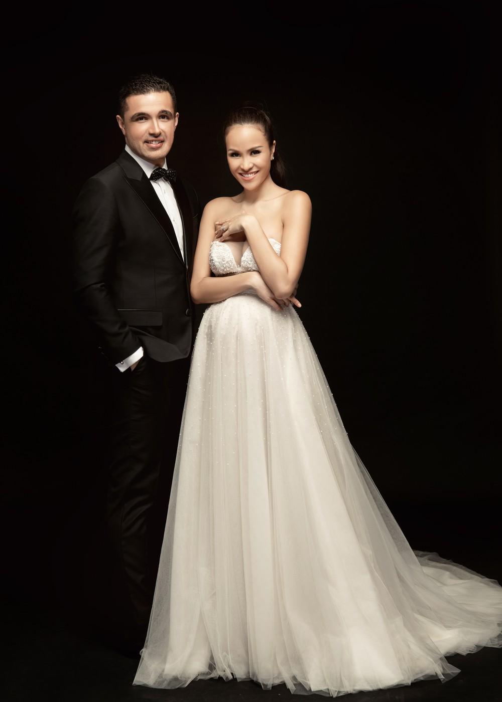 So kè váy cưới của 3 mỹ nhân Vbiz sắp về nhà chồng: Phí Linh nền nã, Phương Mai sexy nhưng bất ngờ nhất là Đàm Thu Trang - Ảnh 8.