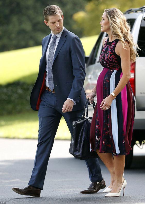 Con dâu Tổng thống Trump: Bụng bầu vượt mặt vẫn mặc đẹp bất chấp, thậm chí đứng cạnh Ivanka Trump cũng không bị lép vế - Ảnh 10.