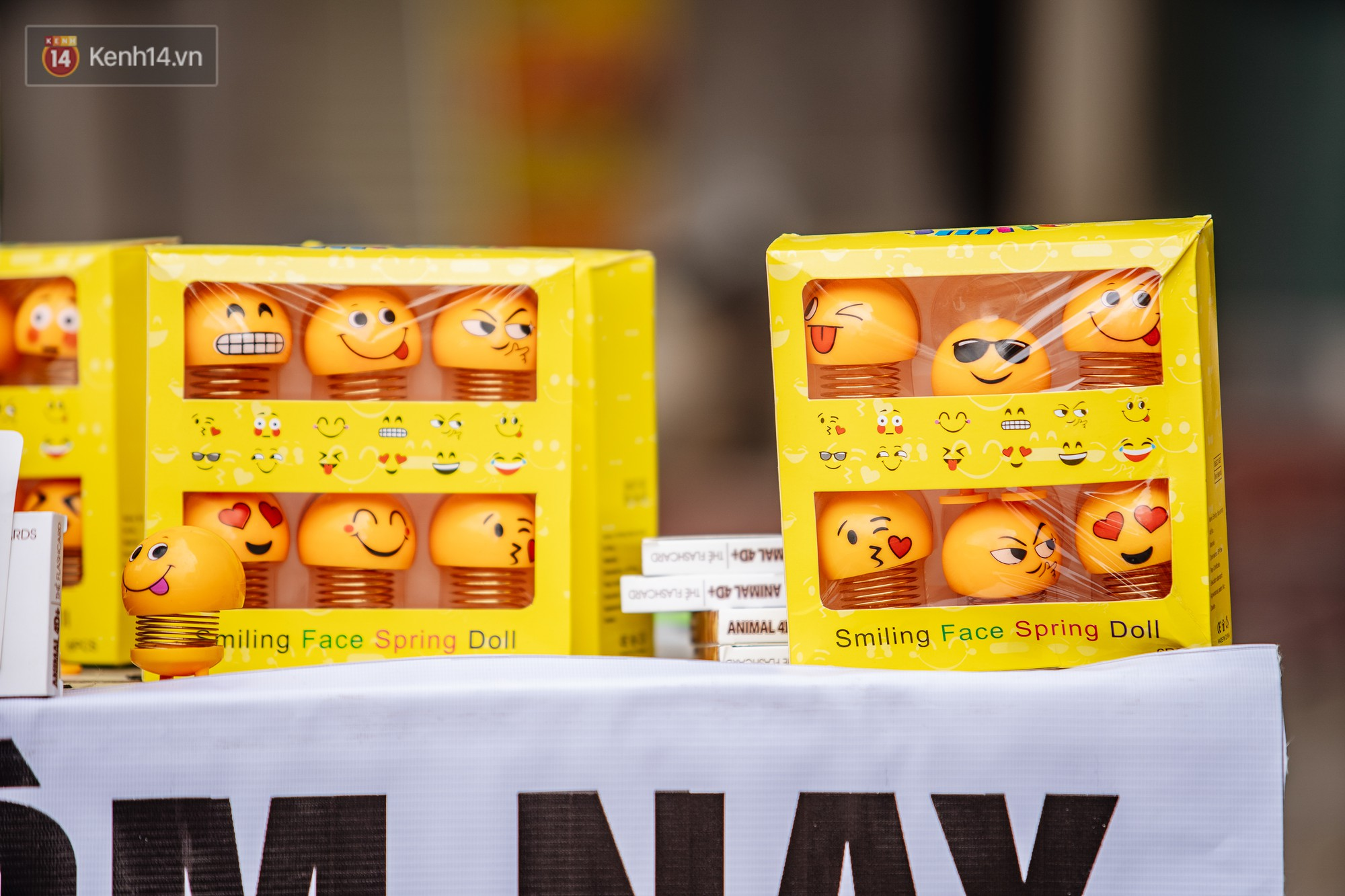 Người người nhà nhà đổ xô đi bán thú nhún lò xo Emoji, tự tin khoe thu nhập lên đến 5 triệu/ngày - Ảnh 2.