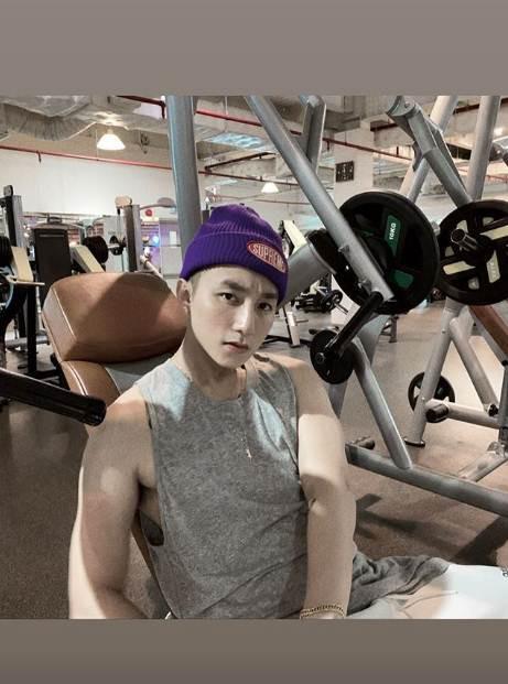 Tiếc ngẩn ngơ vì Sơn Tùng tập gym cả năm mà chẳng chịu khoe chút body trong MV mới bên dàn mỹ nhân nóng bỏng - Ảnh 6.