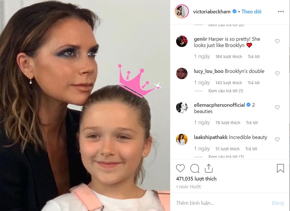 Con gái rượu của Beckham xuất hiện cực thần thái khi chụp hình với mẹ, fan thích thú vì nụ cười giống hệt một người trong nhà - Ảnh 1.
