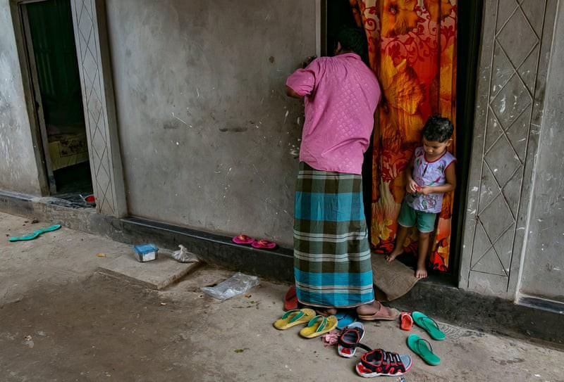Nơi tận cùng khổ đau trên thế giới: Những bé gái bị chồng, người thân bán cho nhà thổ, bị hãm hiếp liên tục trong ngày và những sự thật chua chát khác - Ảnh 1.