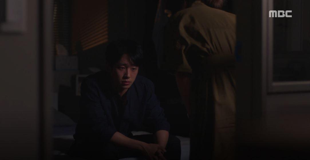 Dọa sẽ bóc phốt nếu không tránh xa Han Ji Min, Jung Hae In dằn mặt tình địch cực gắt trong tập 15 Đêm Xuân - Ảnh 2.