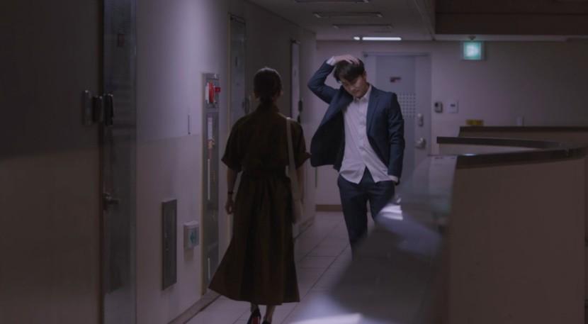 Dọa sẽ bóc phốt nếu không tránh xa Han Ji Min, Jung Hae In dằn mặt tình địch cực gắt trong tập 15 Đêm Xuân - Ảnh 3.