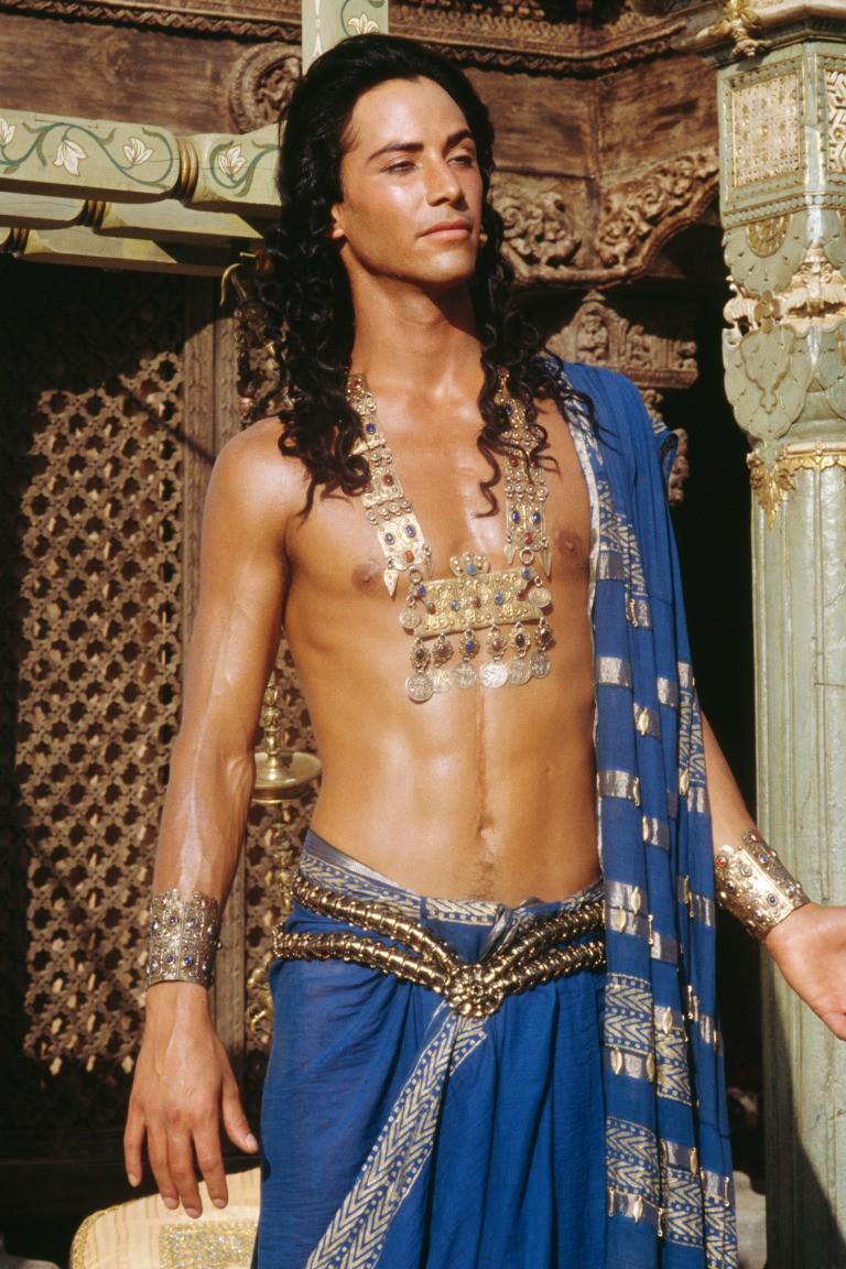 Chỉ với 15 tấm ảnh này cũng đủ chứng minh vẻ đẹp hoàn hảo của sát thủ John Wick Keanu Reeves - quý ông lịch thiệp nhất Hollywood - Ảnh 12.