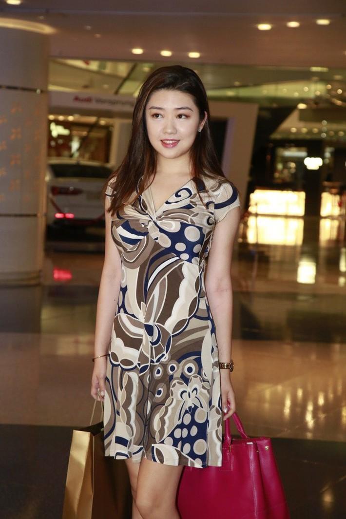 Top 15 Miss Hong Kong 2019: Nhan sắc đã chán đời mà style còn tệ hơn - Ảnh 3.