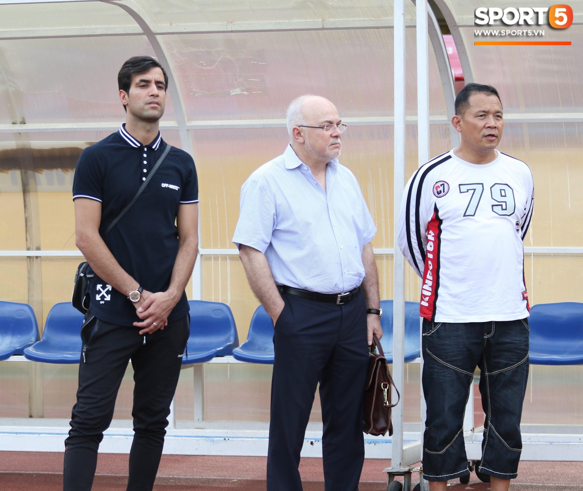 Hà Nội FC chiêu mộ tân binh hơn 10 tỷ đồng: Đẹp trai, thi đấu đa năng và đặc biệt thu hút bởi ánh mắt buồn - Ảnh 1.