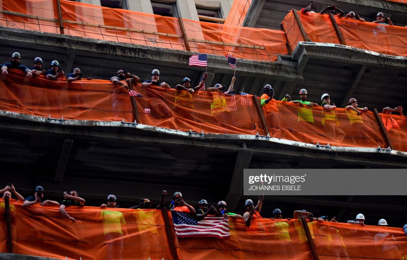 Hàng chục nghìn CĐV đổ ra đường xem tuyển Mỹ diễu hành mừng vô địch World Cup nữ 2019 - Ảnh 11.