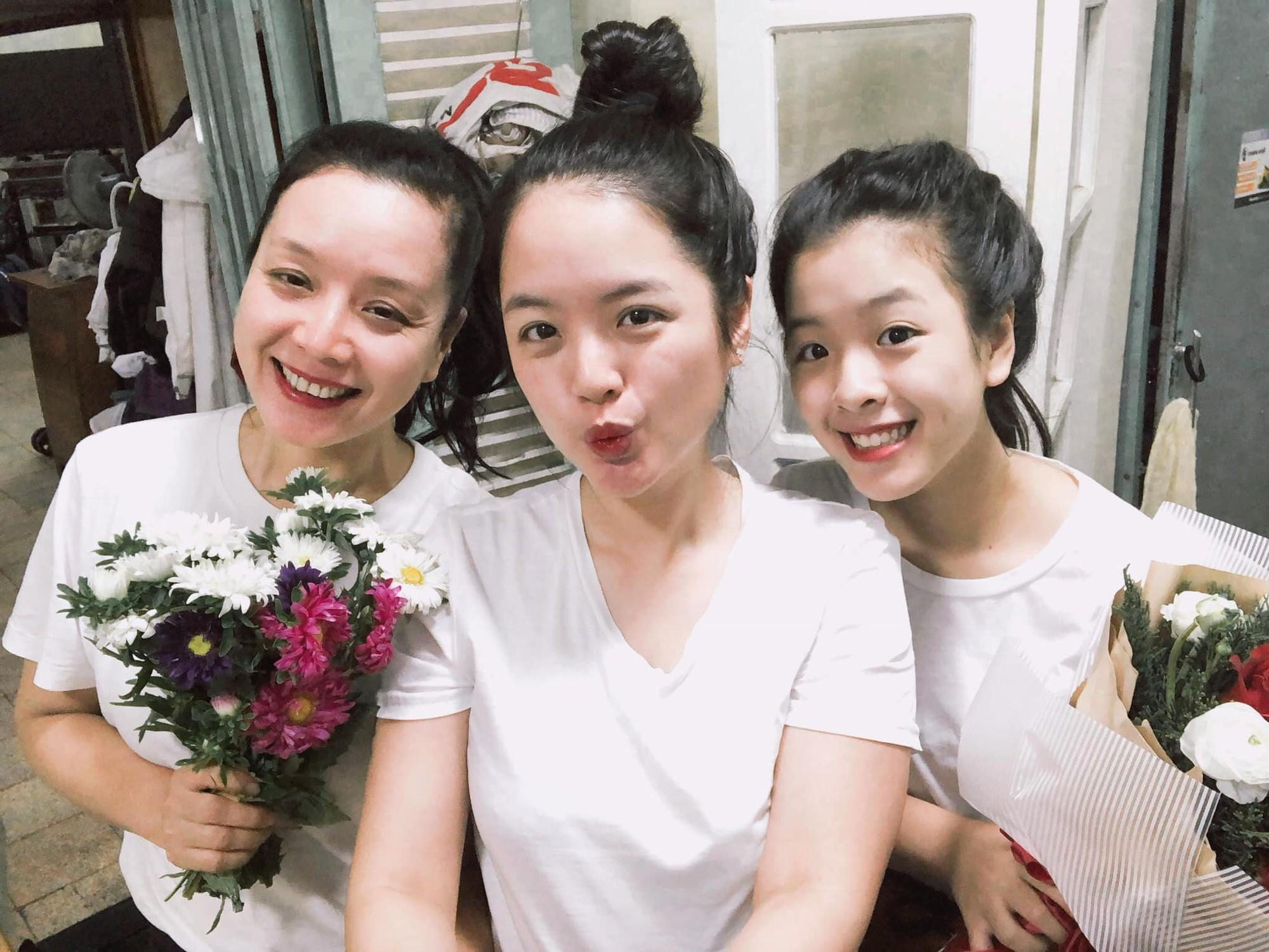 NSƯT Chiều Xuân chia sẻ loạt ảnh hiếm thời còn là nữ sinh trung học, nhan sắc thanh tú đúng chuẩn con gái Hà thành - Ảnh 5.