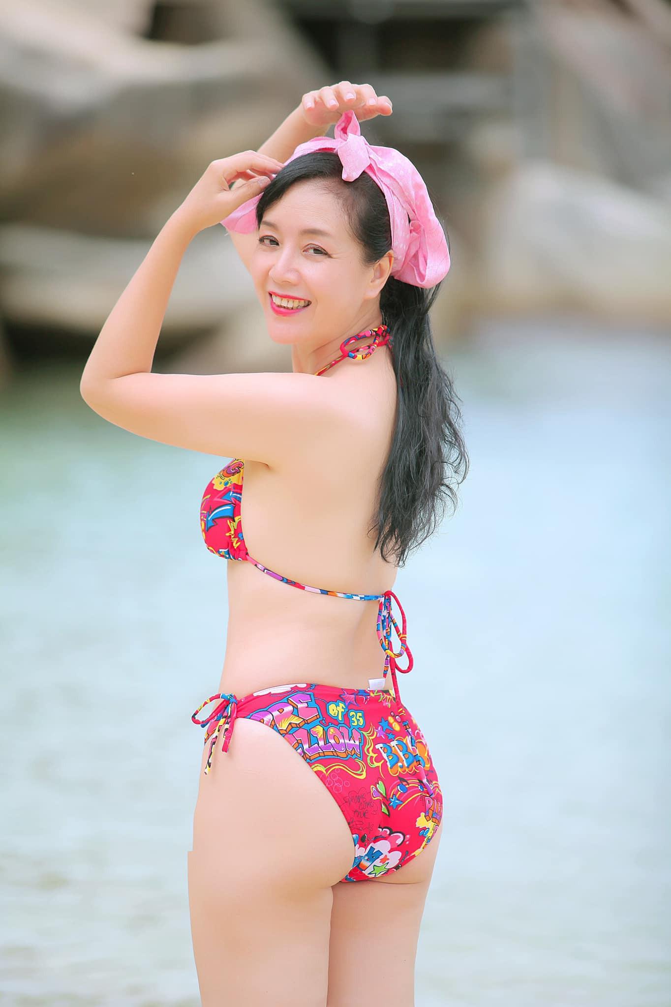 NSƯT Chiều Xuân chia sẻ loạt ảnh hiếm thời còn là nữ sinh trung học, nhan sắc thanh tú đúng chuẩn con gái Hà thành - Ảnh 4.