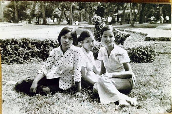 NSƯT Chiều Xuân chia sẻ loạt ảnh hiếm thời còn là nữ sinh trung học, nhan sắc thanh tú đúng chuẩn con gái Hà thành - Ảnh 2.