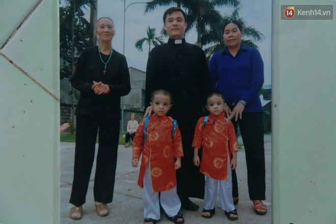 Câu chuyện xúc động của người phụ nữ 10 năm nhặt hơn 27.000 xác thai nhi để chôn cất, trở thành mẹ nuôi của 3 đứa bé - Ảnh 12.