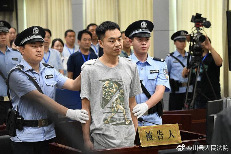 Thanh niên chấp niệm chặn đường báo thù thầy giáo 20 năm trước đã đánh phạt mình - Ảnh 1.