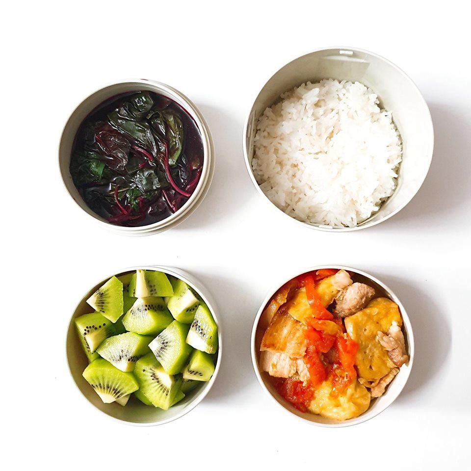 Chỉ với 50k đồng, cô gái trẻ làm ra hàng loạt bữa cơm trưa siêu tinh tế để chồng mang đi làm mỗi ngày - Ảnh 6.