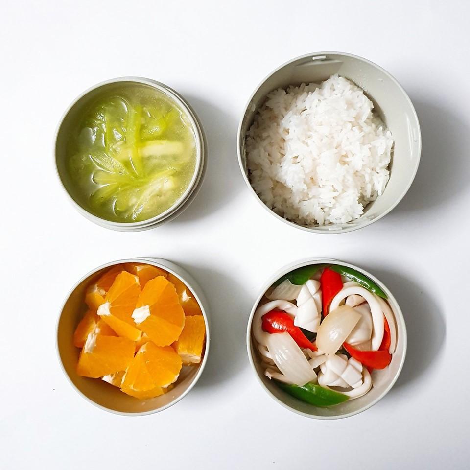 Chỉ với 50k đồng, cô gái trẻ làm ra hàng loạt bữa cơm trưa siêu tinh tế để chồng mang đi làm mỗi ngày - Ảnh 8.