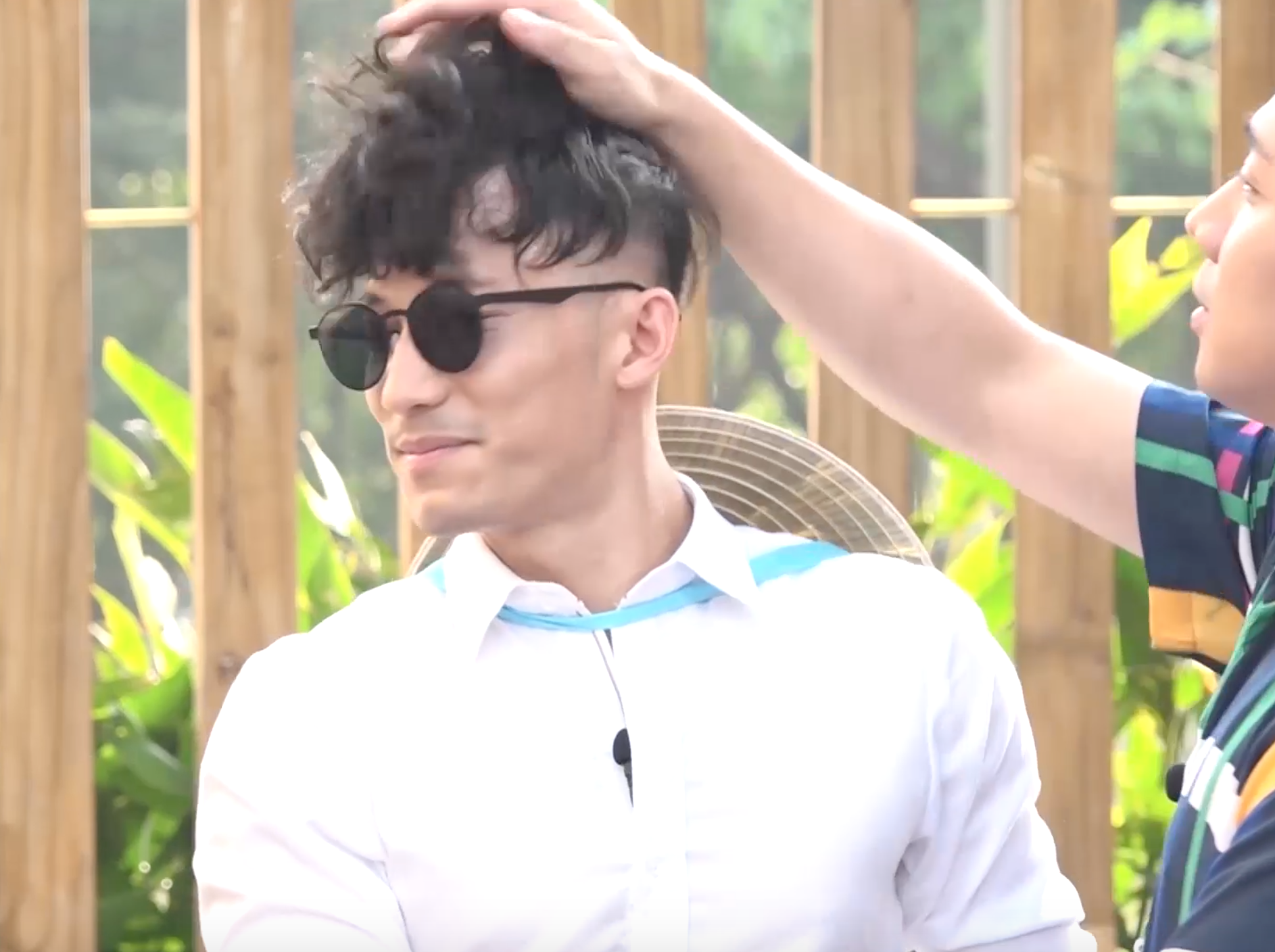 Running Man - Không lên sóng: BB Trần - Ngô Kiến Huy nhảy dựng khi bị gọi là... đồng bóng - Ảnh 2.