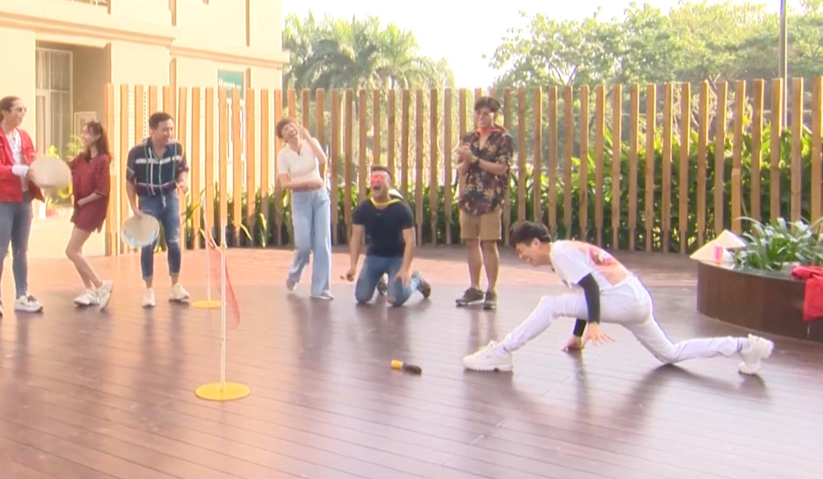 Running Man - Không lên sóng: BB Trần - Ngô Kiến Huy nhảy dựng khi bị gọi là... đồng bóng - Ảnh 5.