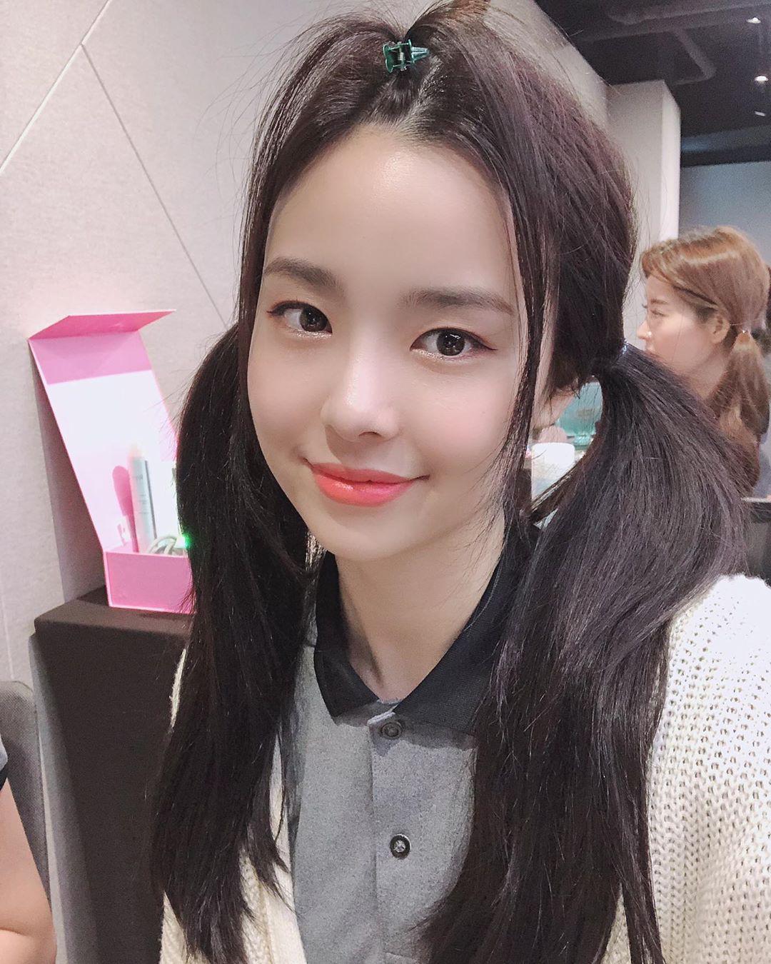 Tân Hoa hậu Hàn Quốc 2019: makeup càng nhạt lại càng xinh, nổi bật nhất là khi lên đồ đơn giản - Ảnh 6.