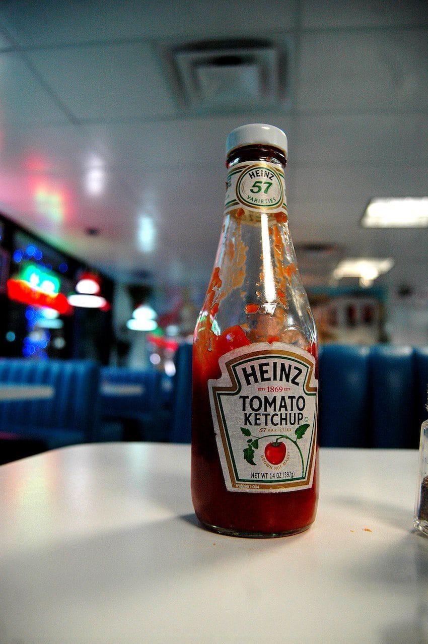 Có một chai tương cà ngược đời nhưng lại được mọi người xem là phát minh ăn uống vĩ đại - Ảnh 2.