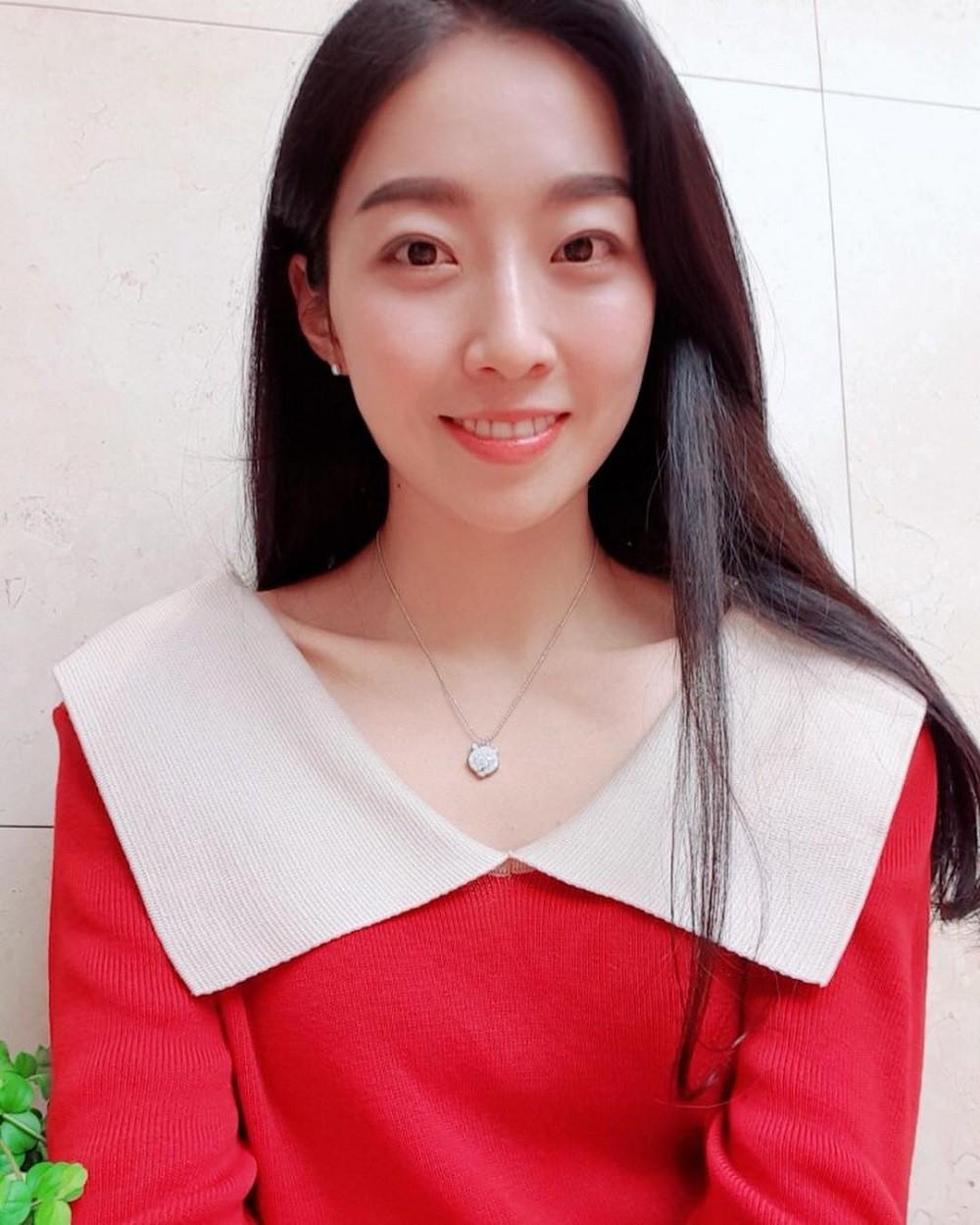 Bàn cân nhan sắc Tân và cựu Hoa hậu Hàn Quốc: Bên đẹp như diễn viên bên gây tranh cãi, body gây chú ý - Ảnh 12.