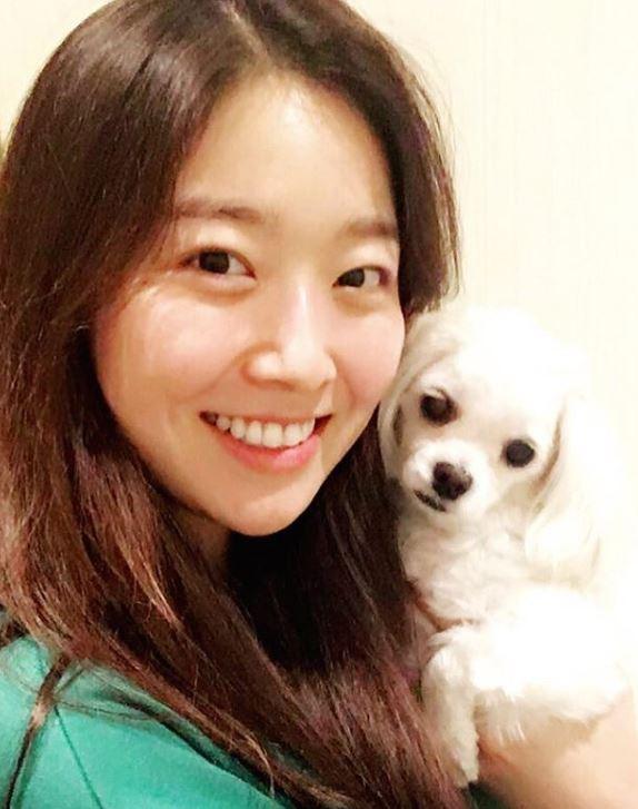 Bàn cân nhan sắc Tân và cựu Hoa hậu Hàn Quốc: Bên đẹp như diễn viên bên gây tranh cãi, body gây chú ý - Ảnh 15.