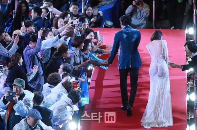 Nổi tiếng kín cổng cao tường, các mỹ nhân Hàn khiến dân tình mất máu khi hở bạo: Jennie và Yoona chưa sốc bằng sao nhí - Ảnh 3.
