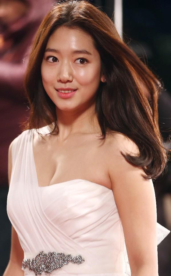 Nổi tiếng kín cổng cao tường, các mỹ nhân Hàn khiến dân tình mất máu khi hở bạo: Jennie và Yoona chưa sốc bằng sao nhí - Ảnh 4.