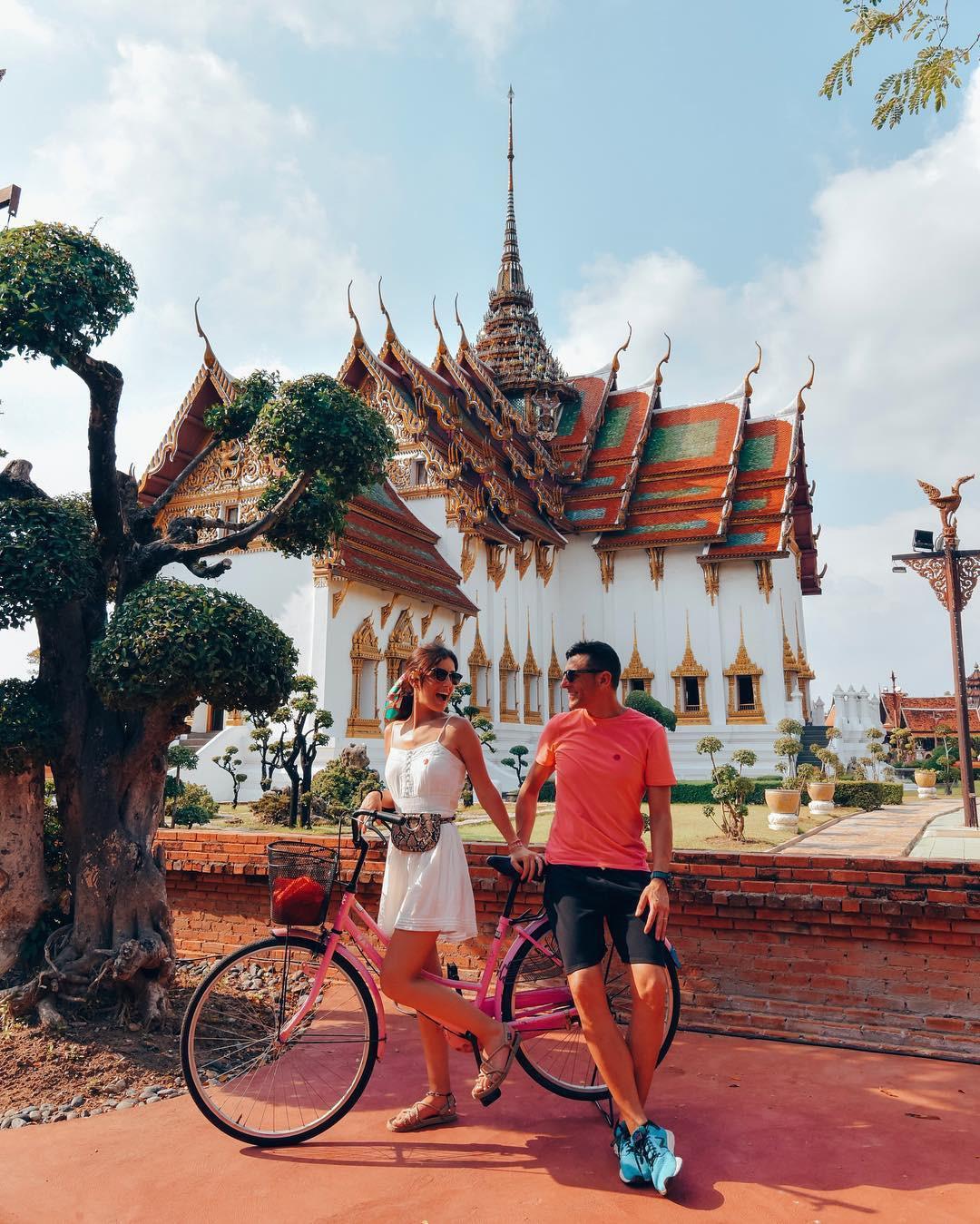 """Không tin vào mắt mình ngôi đền được canh giữ bởi """"cá khổng lồ"""" đẹp hệt cổ tích đang """"gây bão"""" Thái Lan - Ảnh 12."""