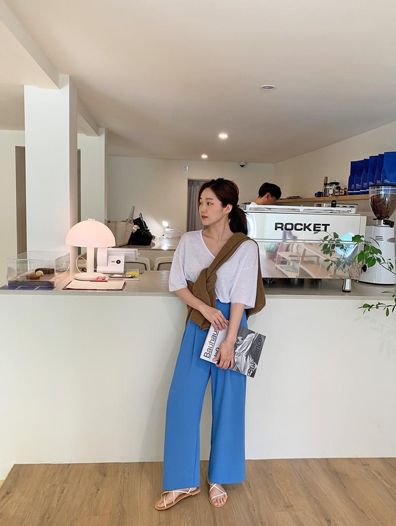 3 item mà Quỳnh Kool Nàng dâu order nên diện nếu không muốn bị bại lộ cặp chân to - Ảnh 4.
