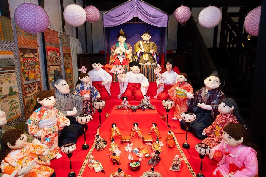 Ghé thăm gôi làng bù nhìn siêu kỳ lạ ở Nhật Bản, nơi búp bê con đông hơn con người gấp chục lần - Ảnh 1.