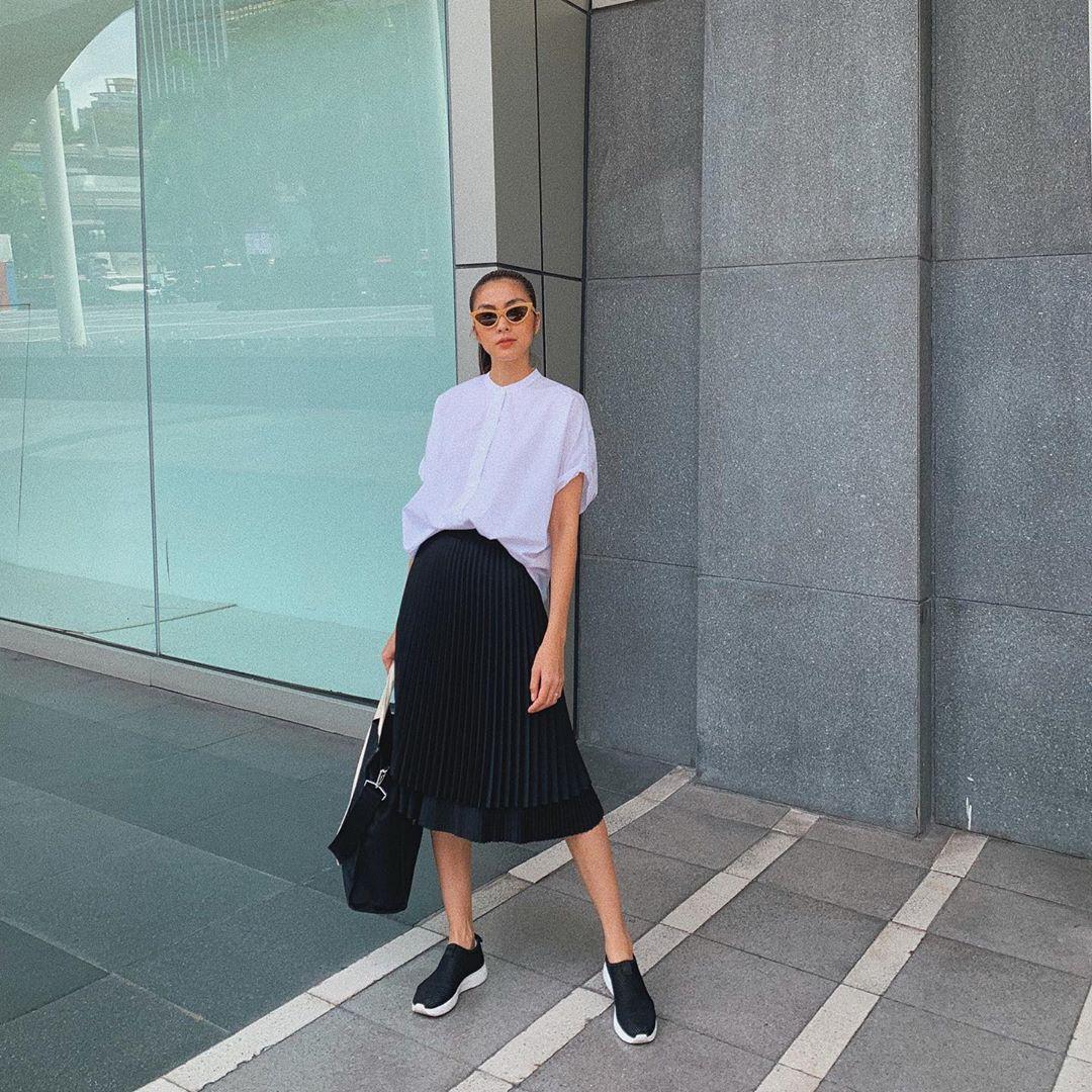 Làm chủ công thức đen - trắng với 13 ý tưởng từ sao nữ Việt và style của bạn sẽ lên đời thấy rõ - Ảnh 1.