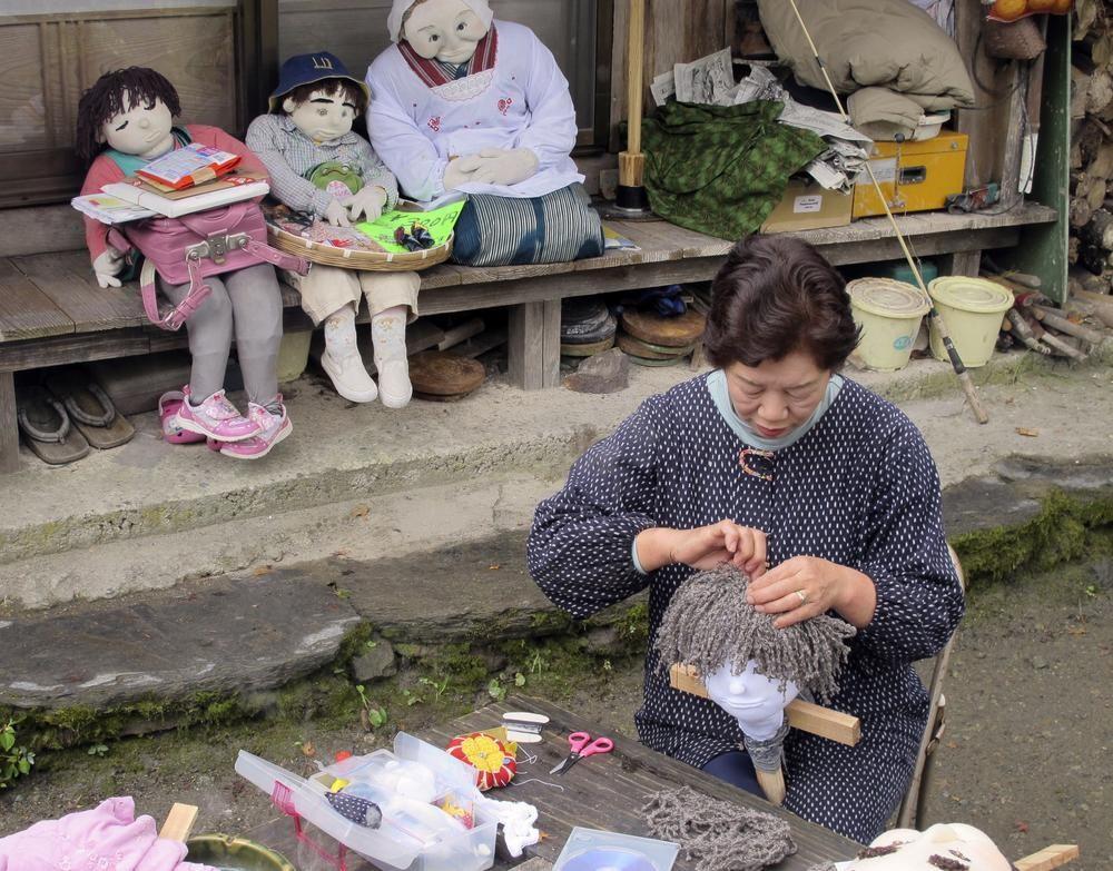 Ghé thăm gôi làng bù nhìn siêu kỳ lạ ở Nhật Bản, nơi búp bê con đông hơn con người gấp chục lần - Ảnh 5.