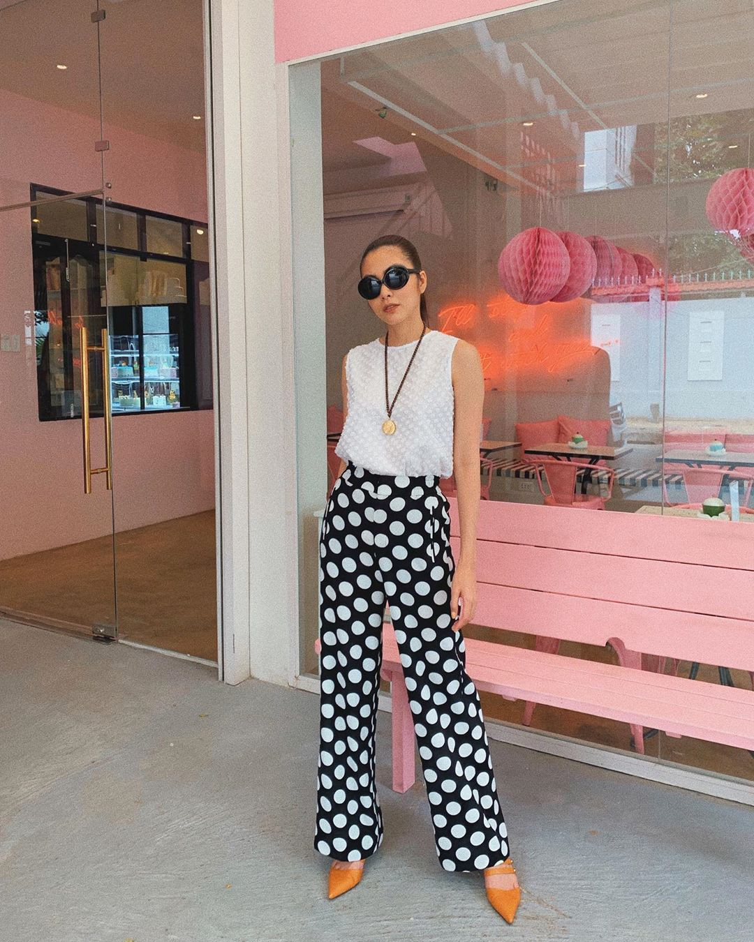Làm chủ công thức đen - trắng với 13 ý tưởng từ sao nữ Việt và style của bạn sẽ lên đời thấy rõ - Ảnh 7.