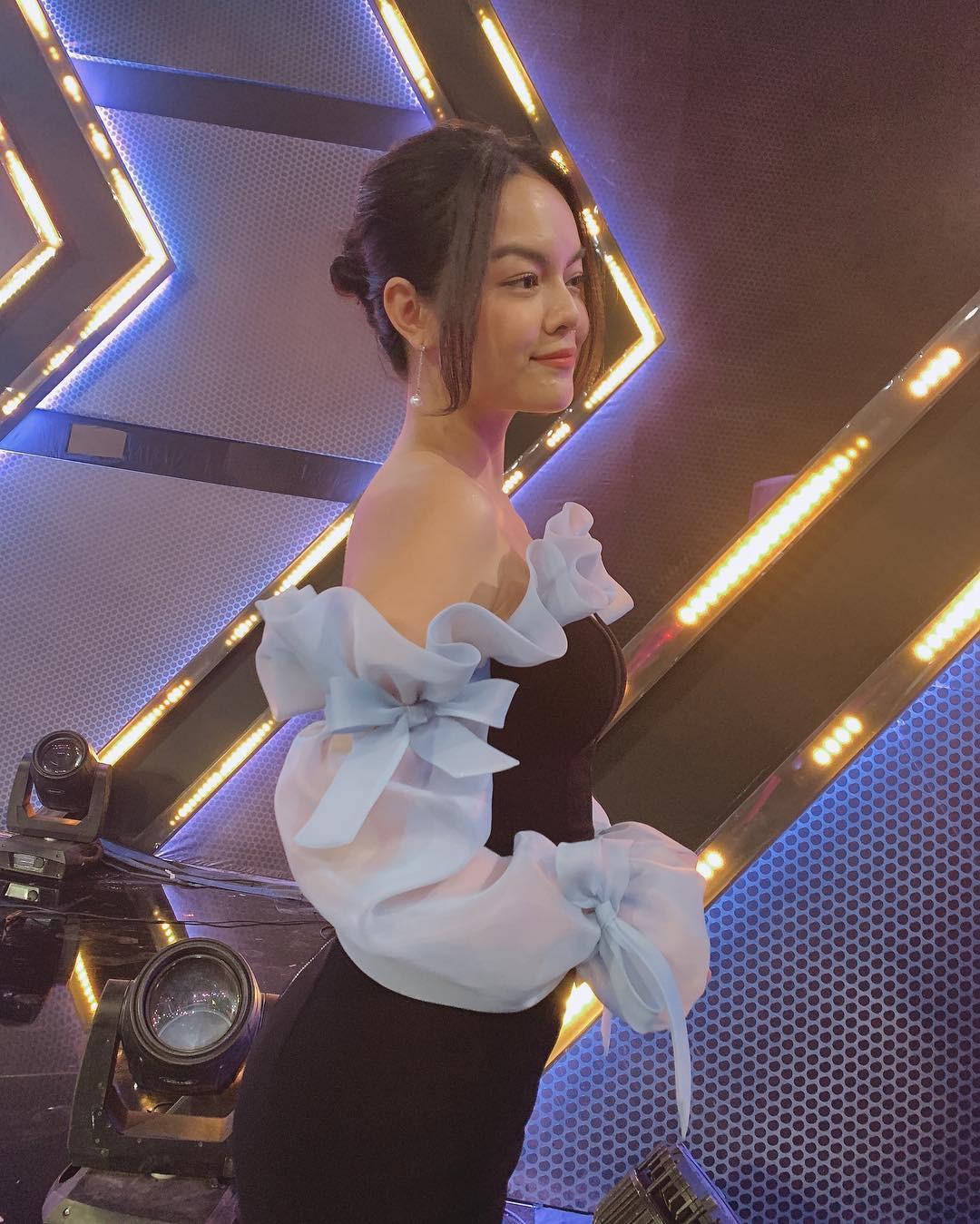 Ai đó kiêng dè váy kén dáng chứ Phạm Quỳnh Anh chẳng ngán diện, đã vậy còn mặc tuyệt đẹp - Ảnh 4.