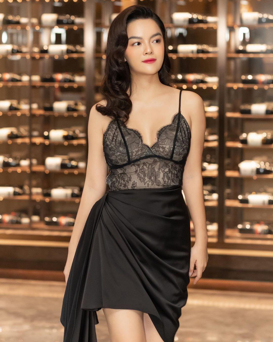Ai đó kiêng dè váy kén dáng chứ Phạm Quỳnh Anh chẳng ngán diện, đã vậy còn mặc tuyệt đẹp - Ảnh 6.