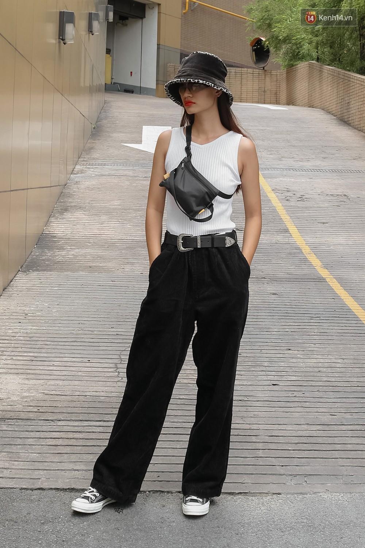Nếu bí ý tưởng mặc đẹp ngày nóng, bạn cần xem ngay street style đơn giản mà chất thôi rồi của giới trẻ Việt tuần qua - Ảnh 3.