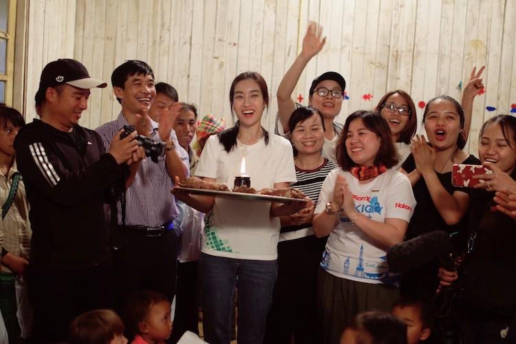 Đỗ Mỹ Linh cùng mẹ đăng ký hiến tạng: nghĩa cử cao đẹp xứng tầm danh hiệu Hoa hậu nhân ái tại Miss World 2017 - Ảnh 7.