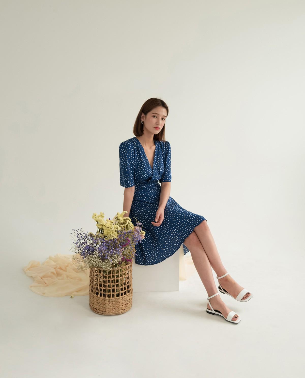 """4 mẫu váy đơn giản nhưng thừa độ sang chảnh, tinh tế giúp style của chị em """"sang trang"""" mới huy hoàng - Ảnh 9."""