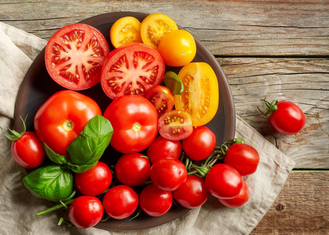 Cất trữ những loại thực phẩm này trong tủ lạnh, chẳng những gây mùi mà còn gây hại cả sức khỏe - Ảnh 2.