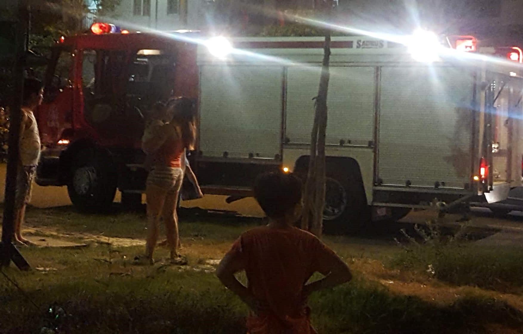 Thắp hương cúng rằm làm cháy chung cư ở Đà Nẵng, nhiều người tháo chạy trong đêm - Ảnh 4.