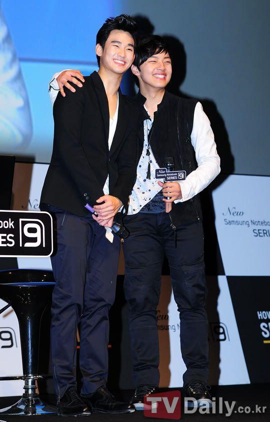 Kim Soo Hyun tặng CEO khách sạn ma IU nguyên xe cafe: Fan đòi cameo đi anh ơi làm ma ám cũng được! - Ảnh 13.