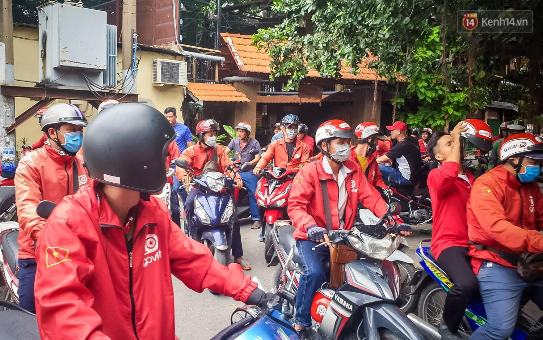 Đại diện Go-Viet lên tiếng khi hàng trăm tài xế ở Sài Gòn tắt app, tập trung đình công phản đối chính sách mới - Ảnh 7.