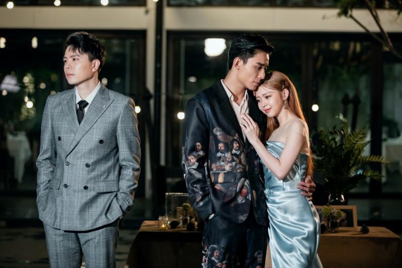 Yêu thầm nhưng không dám thổ lộ, Trịnh Thăng Bình xót xa nhìn Liz Kim Cương chịu thiệt thòi trong MV song ca - Ảnh 2.