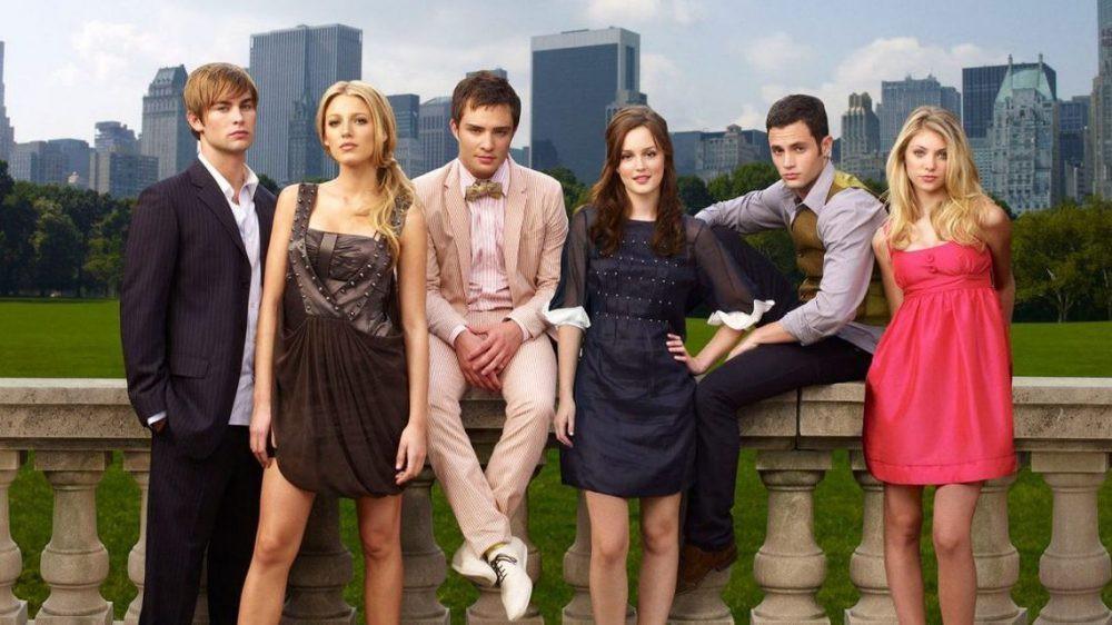 Gossip Girl sẽ trở lại với phần hậu truyện, hội bà tám thế hệ 4.0 hứa hẹn sẽ còn mồm mép hơn nữa! - Ảnh 1.